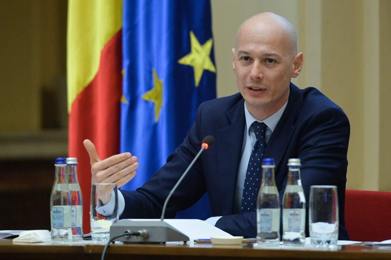Bogdan Olteanu s-a prezentat joi dimineata la sediul Directiei Nationale Anticoruptie pentru a fi audiat in dosarul sau de coruptie.