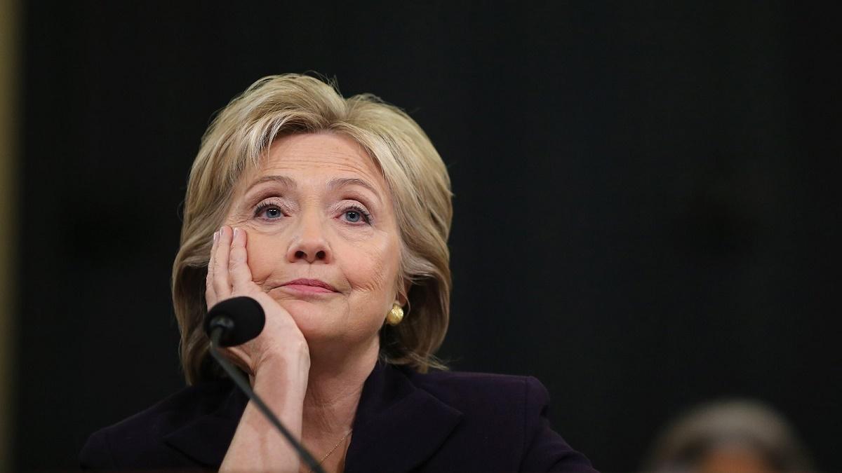 Hillary Clinton sufera de pneumonie si a fost nevoita sa isi anuleze o deplasare de campanie in statul american California.