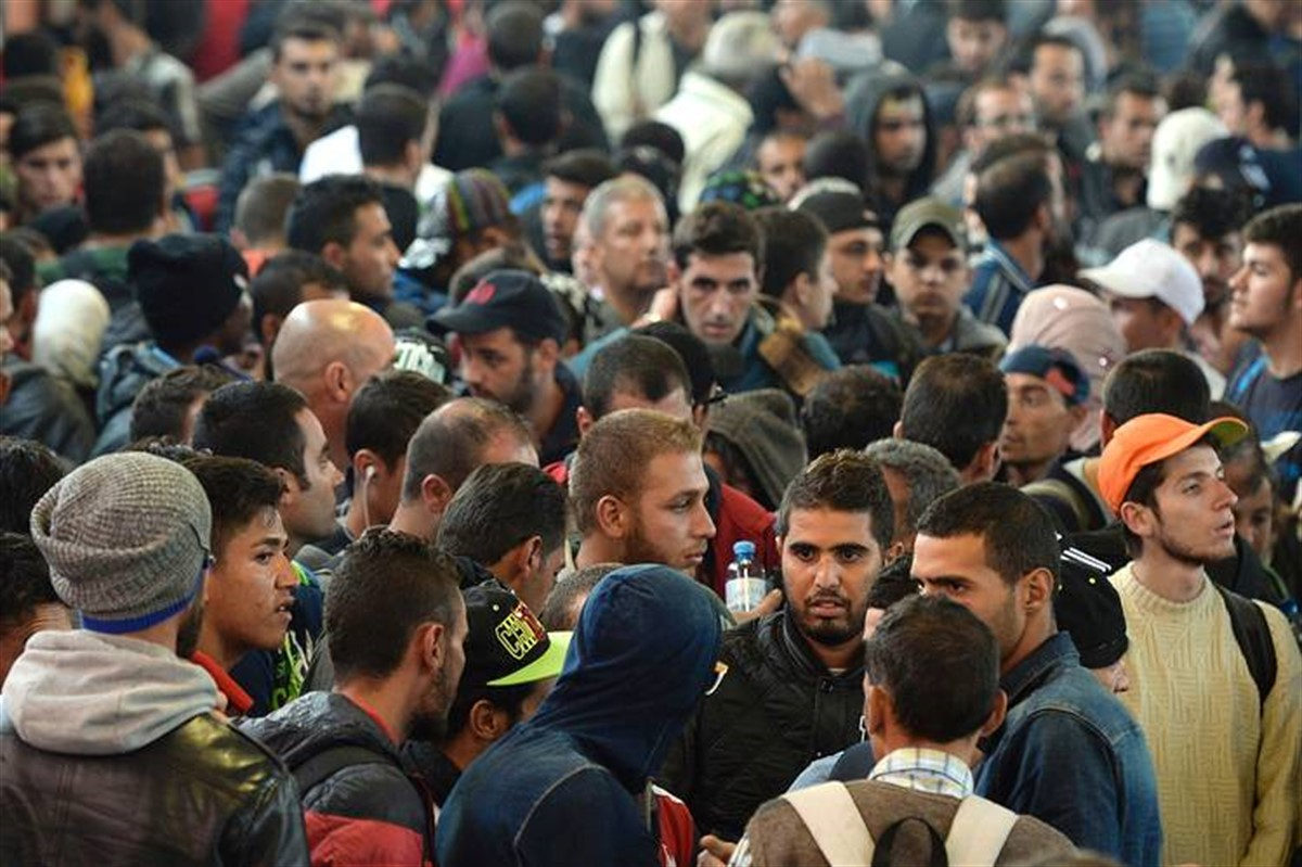 Politistii de frontiera au reusit sa depisteze 14 imigranti ilegali care au trecut granita in Romania, incercand sa ajunga in Vestul Europei.