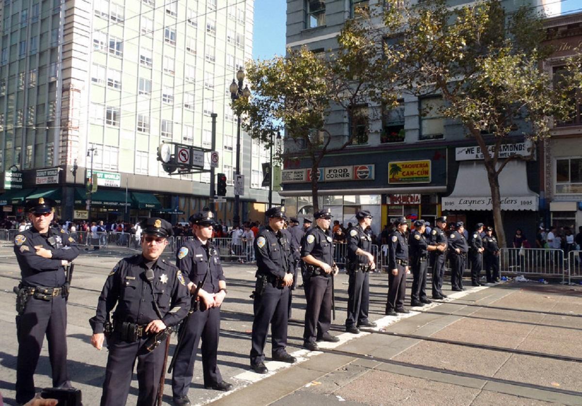 Times Square, New York, a fost închis din cauza unui pachet suspect