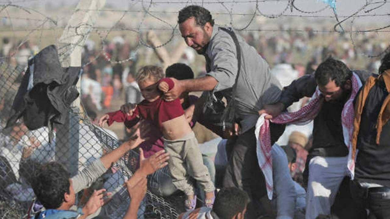 Donald Tusk, presedintele CE, a avertizat ca in Uniunea Europeana, capacitatea de gazdui valurile de refugiati se apropie de limita.