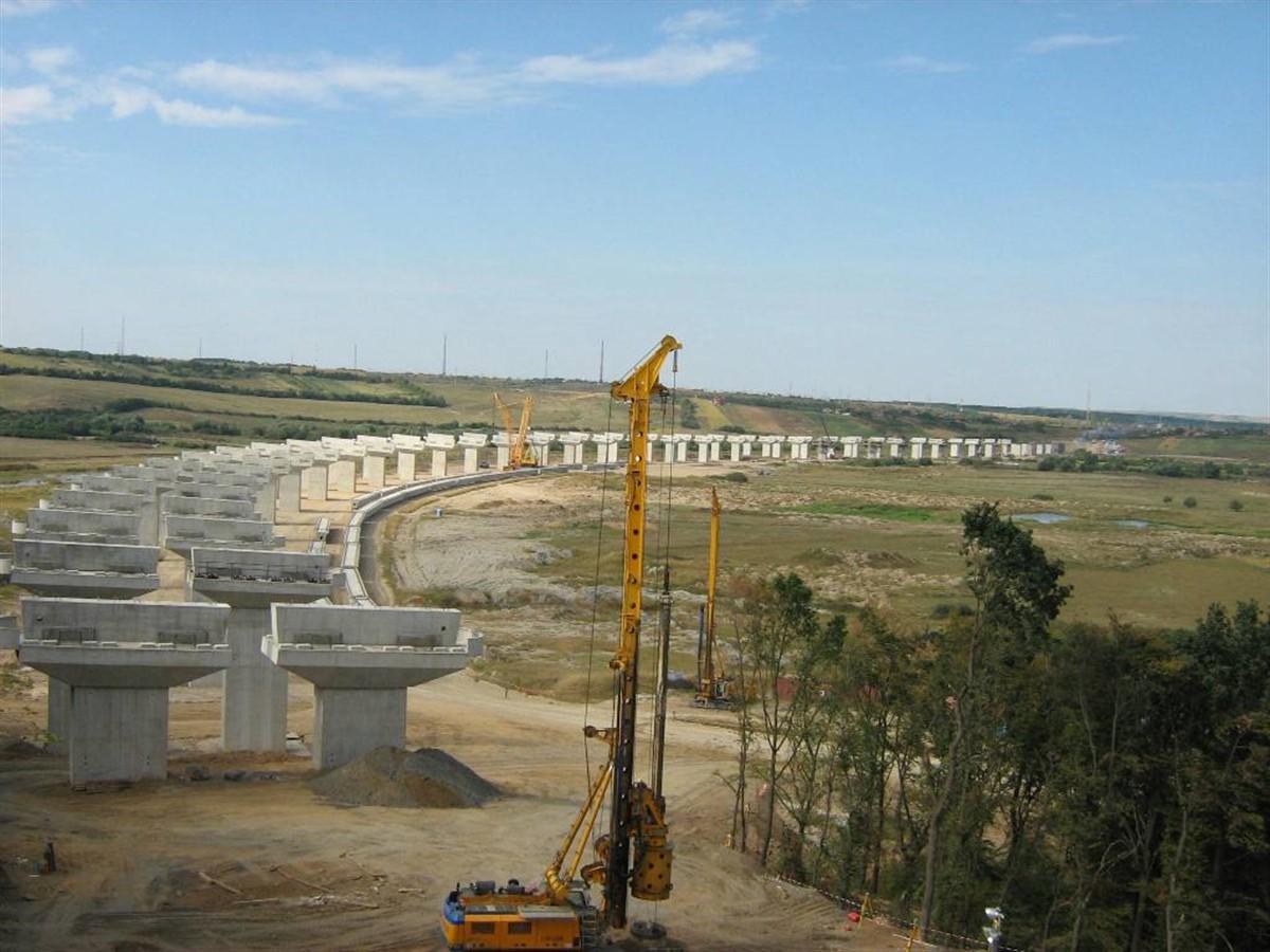 Ministrul Sorin Buse nu exclude varianta rezilierii contractului cu constructorii tronsonului Suplacu de Barcau - Bors din Autostrada Transilvania.