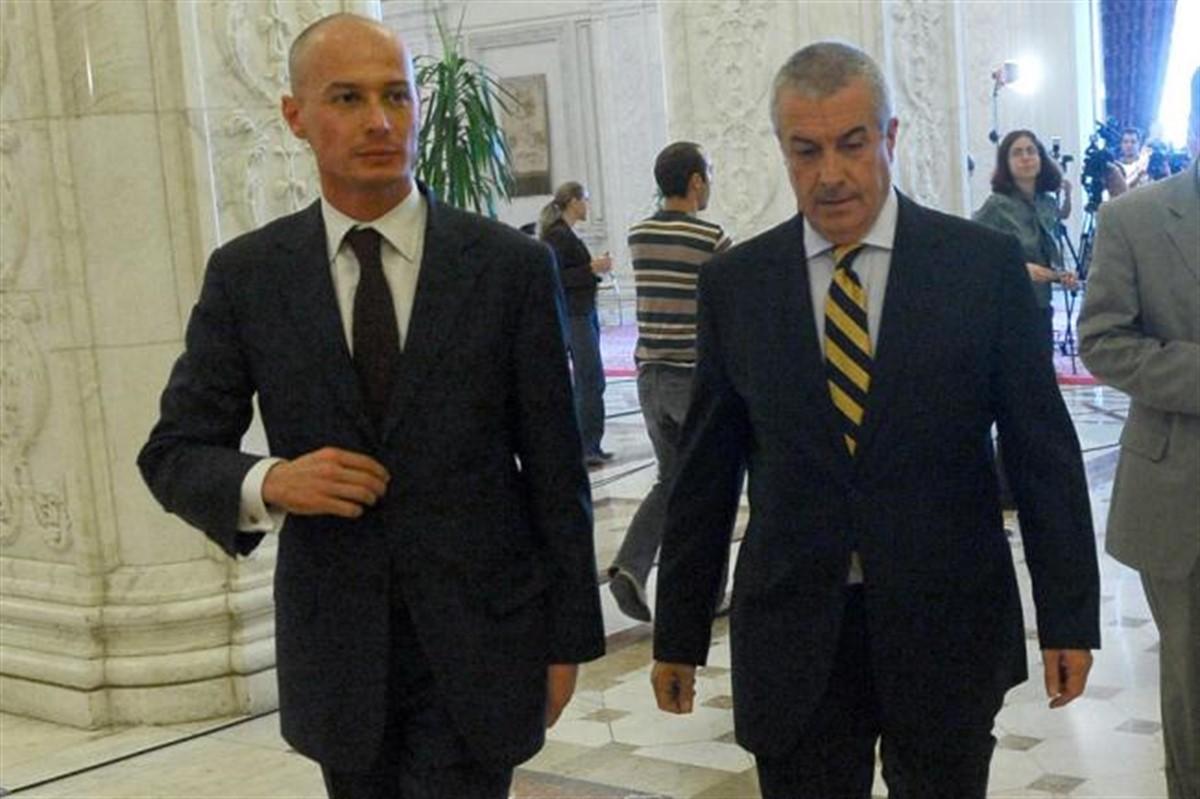 Călin Popescu Tăriceanu s-a prezentat joi dimineașă la sediul DNA pentru a fi audiat în calitate de martor în dosarul lui Bogdan Olteanu.