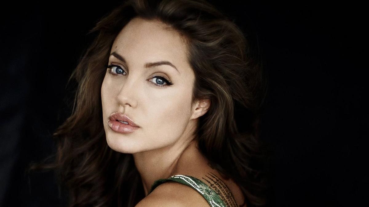 Actriţa Angelina Jolie va juca într-o dramă de război