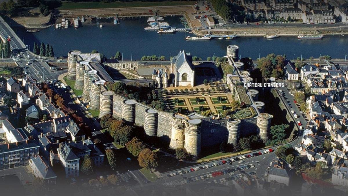 Un balcon s-a surpat la Angers: 4 morţi şi zeci de răniţi