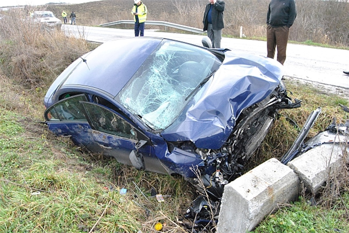 Un accident s-a produs duminică dimineața, în județul Argeș. O persoană a murit și alte trei au fost rănite în evenimentul care a avut loc în comuna Bogați.