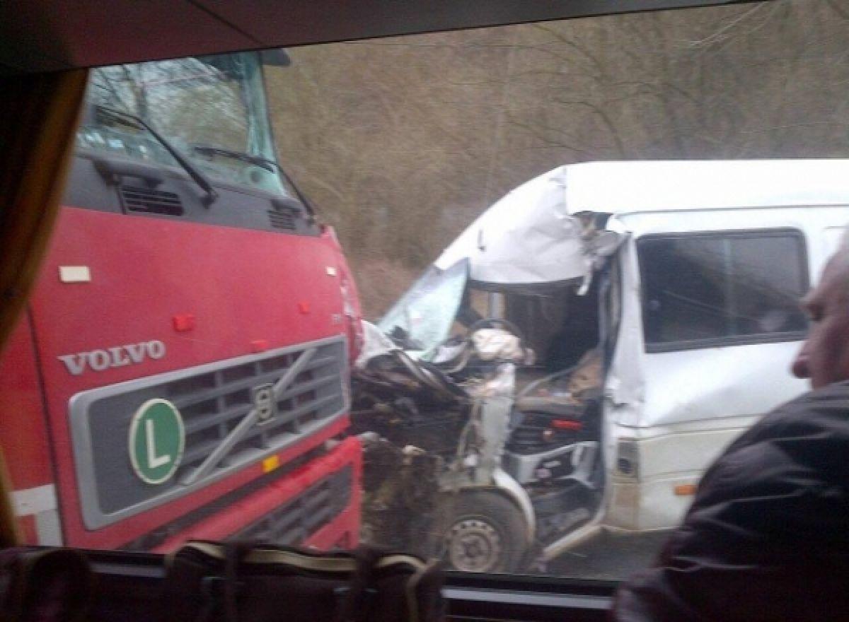 Un accident s-a produs luni, 3 octombrie, în județul Sibiu, în apropiere de Miercurea Sibiului. Planul roșu de intervenție a fost activat!