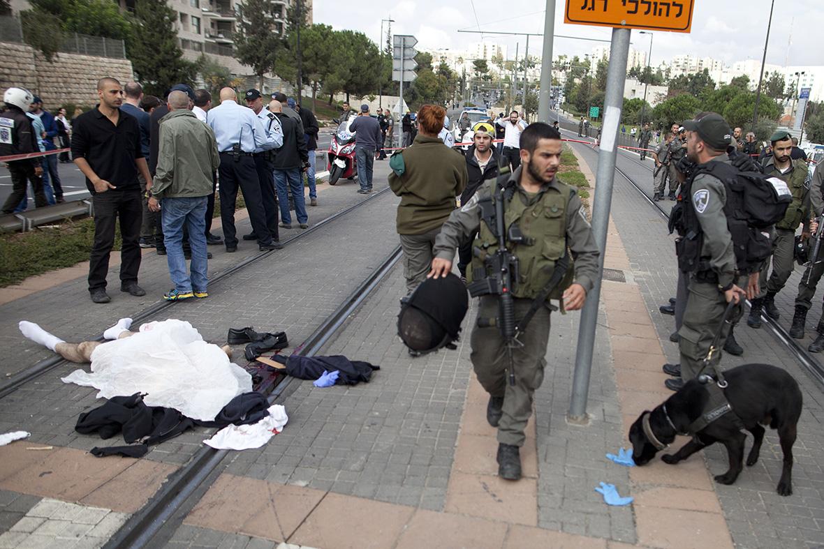 Cel puțin șase oameni au fost răniți la Ierusalim în ceea ce autoritățile israeliene au catalogat drept un atac terorist.