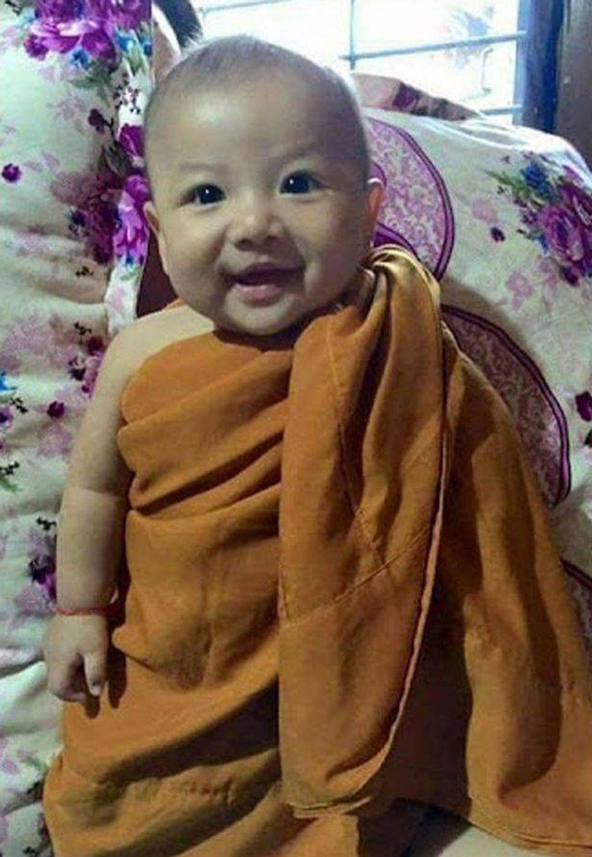 Bebelușul înjunghiat / foto:exclusivepicsmedia / the sun