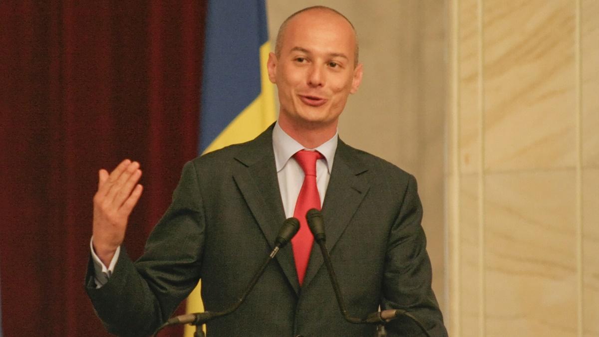 Bogdan Olteanu, plasat sub control judiciar de Instanța Supremă