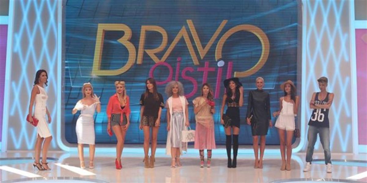 """Emisiunea """"Bravo, ai stil"""", difuzată de postul TV Kanal D devine interactivă. Telespectatorii pot vota prin SMS concurenta preferată."""