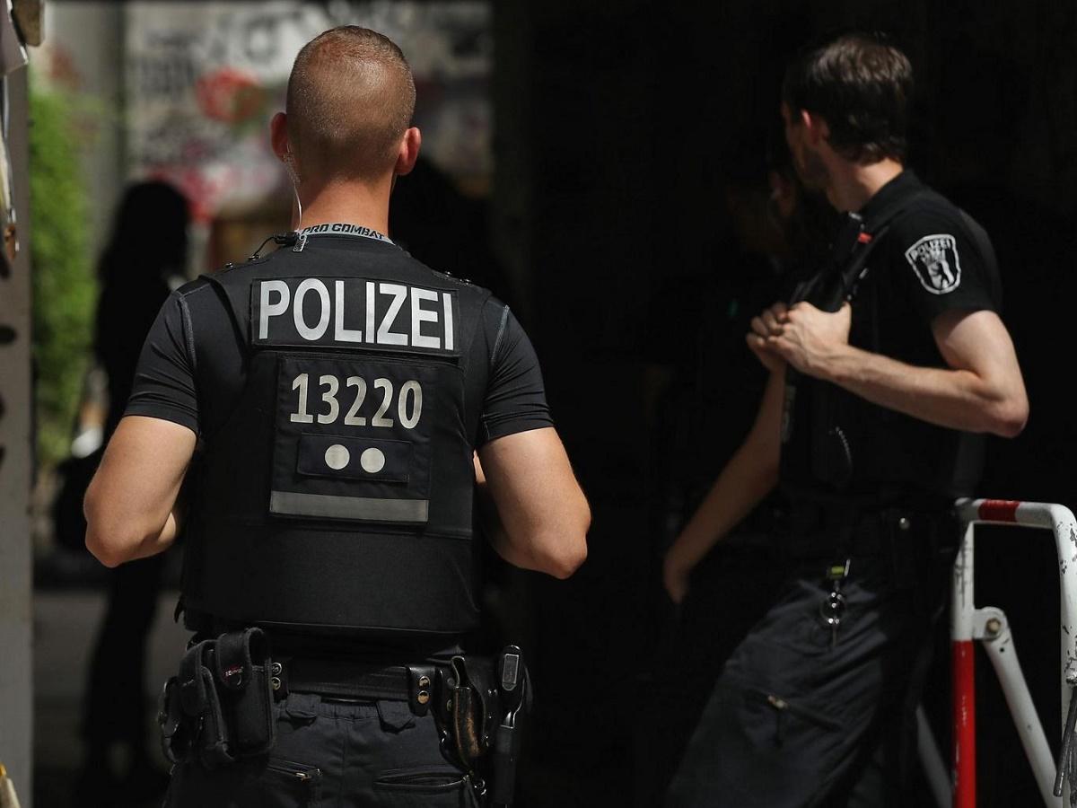 Orașul german Chemnitz a fost închis sâmbătă dimineața din cauza unei alerte de securitate. Polițiștii au ieșit pe străzi.