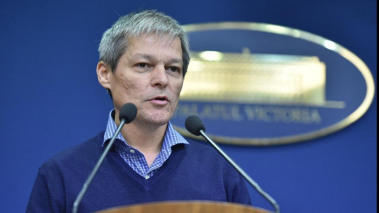 """Premierul Dacian Cioloș a afirmat că nu va candida la alegerile parlamentare din luna decembrie, însă că """"există viață și după alegeri""""."""