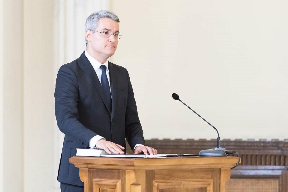 Ministrul Muncii, Dragoș Pîslaru, a afirmat că nu intenționează să candideze la alegerile parlamentare din decembrie 2016.