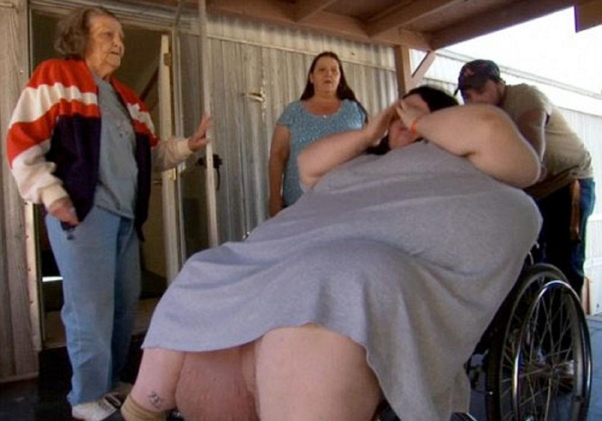 O femeie care cântărește 250 de kg a mers la spital să nască. Medicii au rămas șocați când au scos copilul