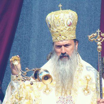 IPS Teodosie, arhiepiscopul Tomisului, rămâne sub control judiciar