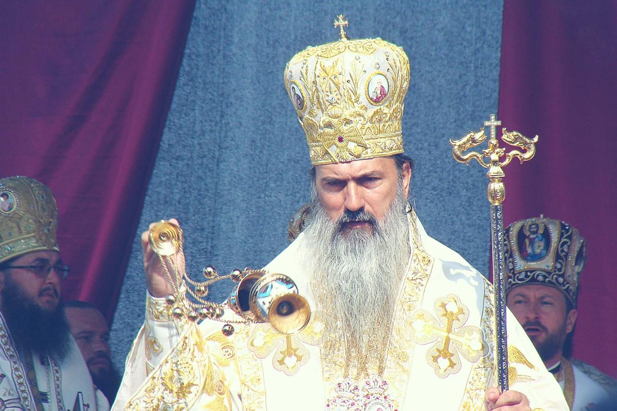 Arhiepiscopul Tomisului, IPS Teodosie, rămâne sub control judiciar, confrom deciziei definitie a judecătorilor de la Curtea de Apel Constanța.