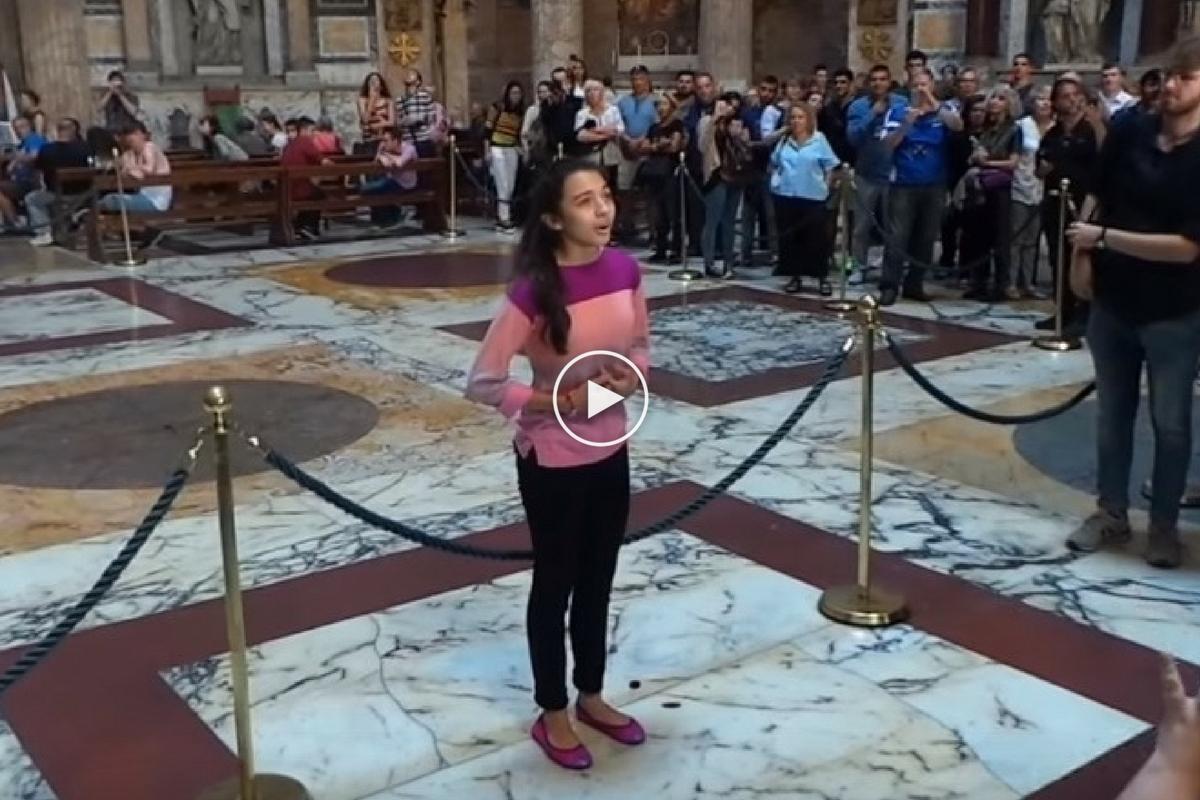 Laura Bretan i-a cucerit pe italieni după ce a interpretat o melodie religioasă în Panteonul de la Roma.