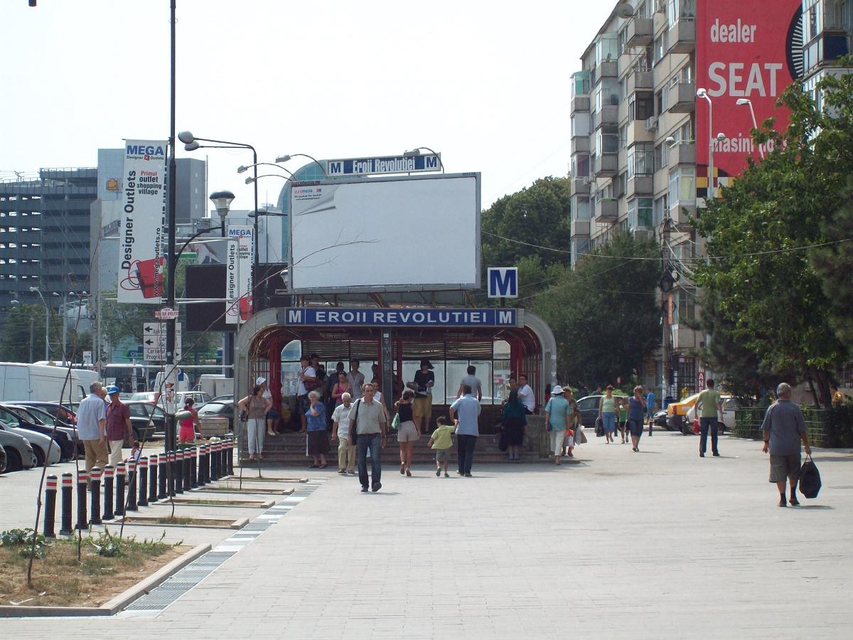 Au fost din nou probleme la metrou miercuri dimineața, pe magistrala M2 Berceni - Pipera. Călătorii s-au aglomerat din nou în stații.
