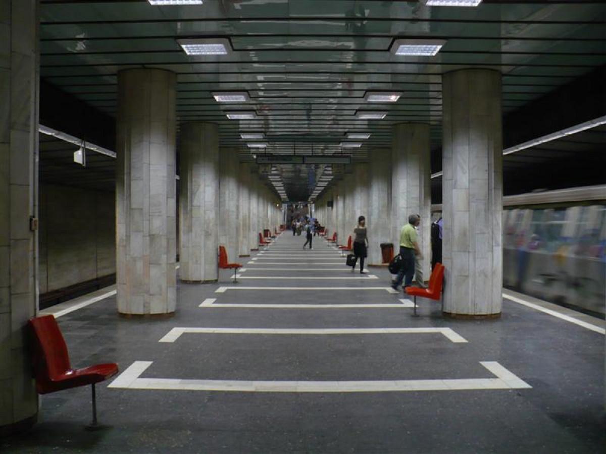 Un bărbat și-a pierdut viața luni dimineață, la stația de metrou Păcii din București. Polițiștii s-au deplasat la fața locului.