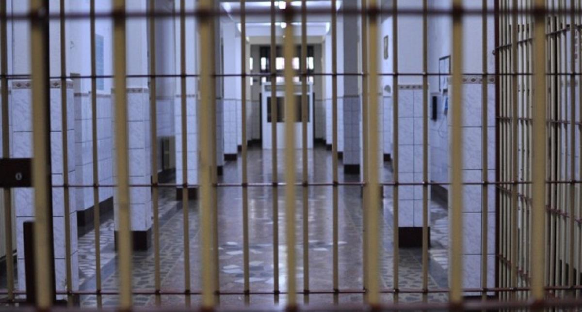 Momente de panică la Penitenciarul Poarta Albă! O angajată amenințată cu un cuțit și sechestrată de deținuți