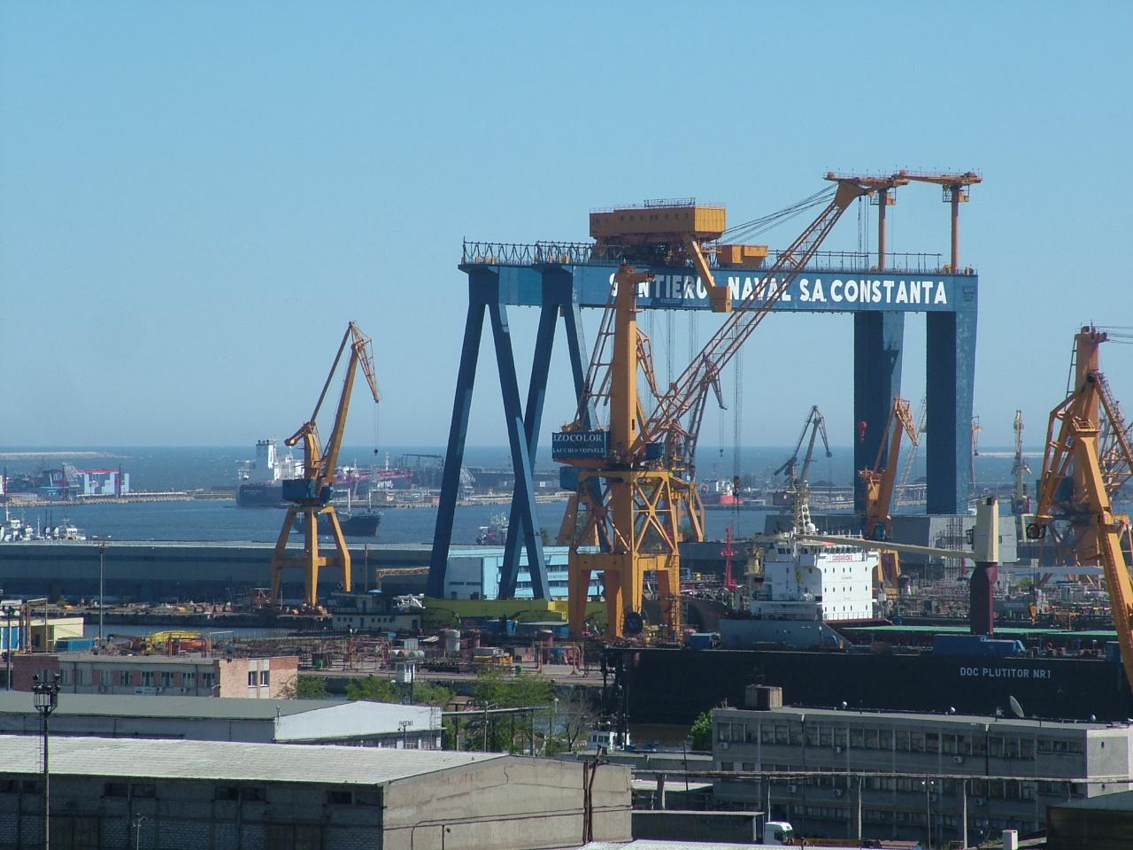 Procurorii DNA efectuează miercuri dimineață mai multe percheziții în Portul Constanța, într-un dosar privind infracțiuni de contrabandă și corupție.