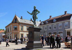 Tatăl și-a vilat fiica în casa lor din orașul norvegian Fredrikstad