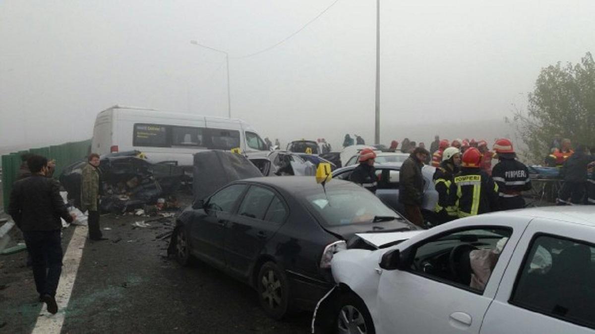 """Accident pe A2. Şoferul primei maşini din coloană: """"Am fost singurul care a redus viteza"""""""