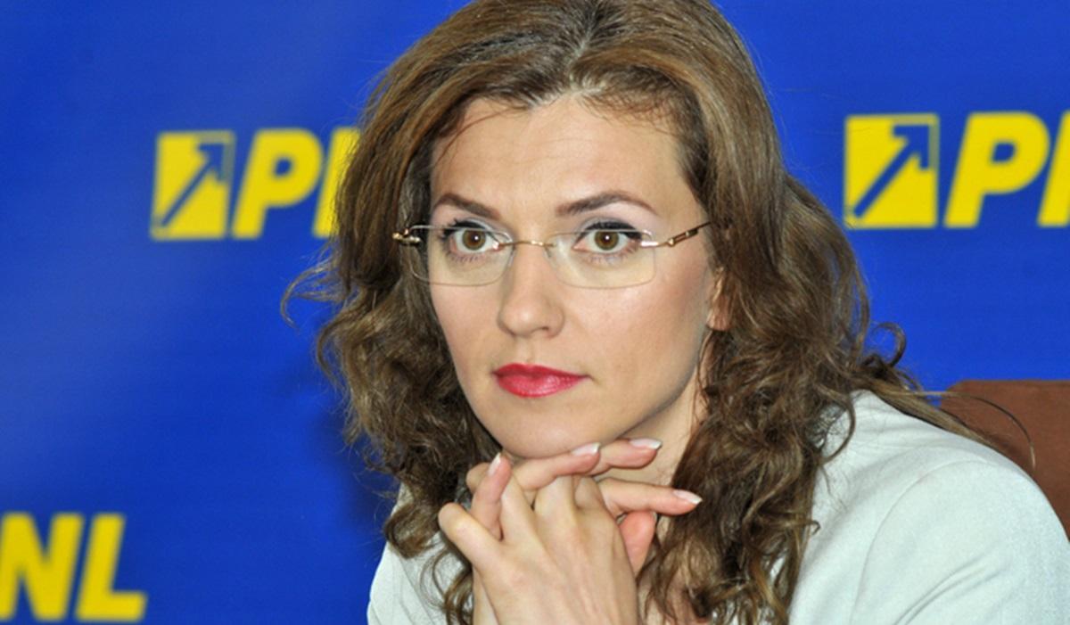 """Alina Gorghiu: """"Oamenii trebuie să muncească, dacă au două mâini şi două picioare"""""""