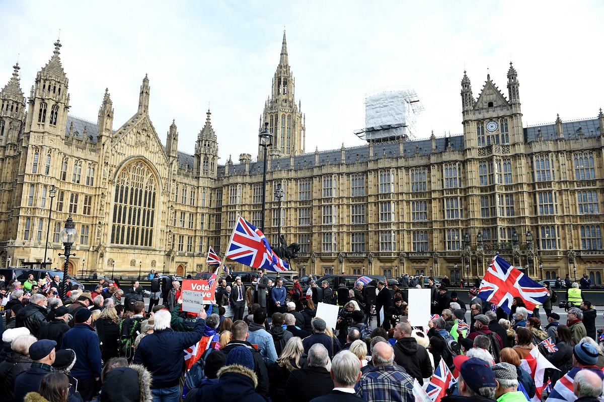 Brexit: Marea Britanie şi Polonia intenţionează să semneze un acord de reciprocitate privind statutul cetăţenilor celor două țari.