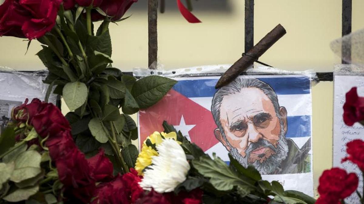 Doliu în Coreea de Nord după moartea lui Fidel Castro. Guvernul de la Phenian a decretat 3 zile de doliu național în memoria liderului cubanez