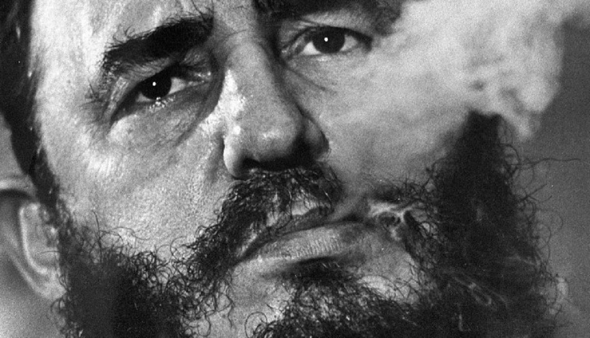 Fidel Castro- povestea fostului lider cubanez. Fidel Castro era renumit pentru discursurile sale lungi, care durau chiar și șapte ore.