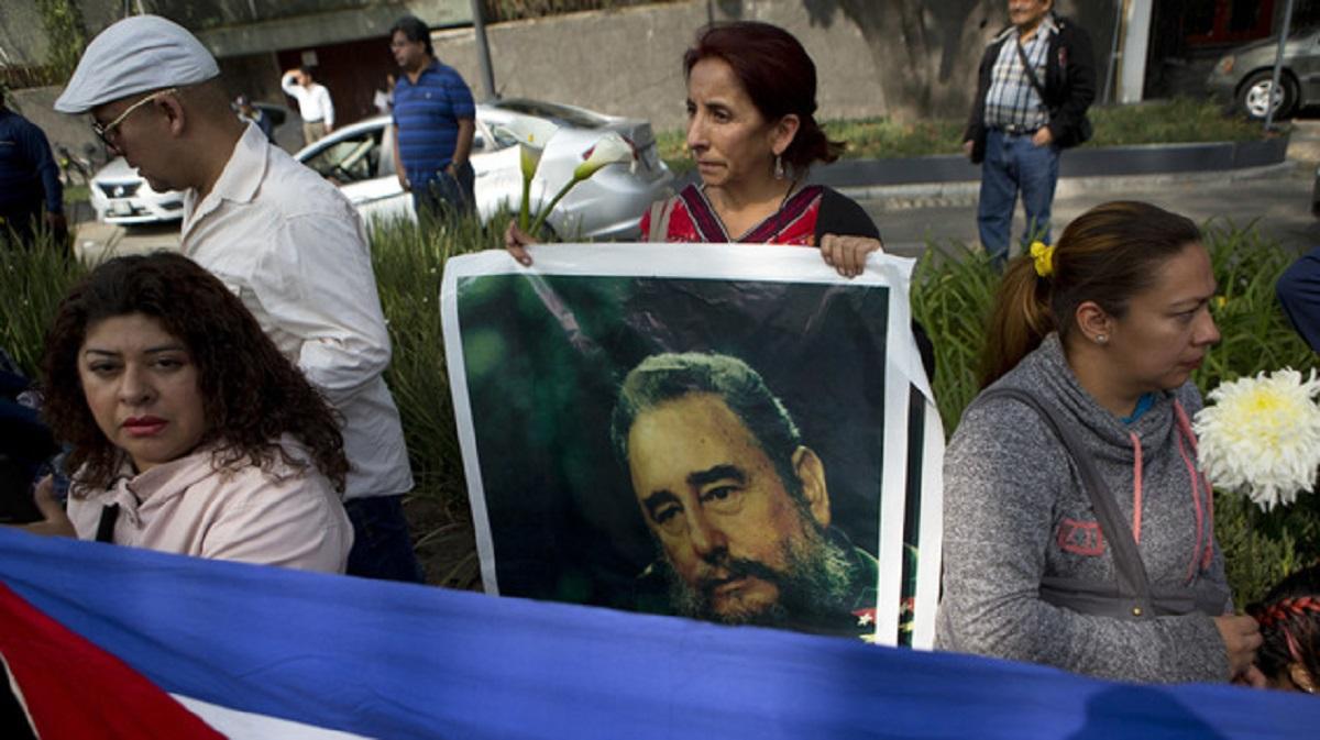 Funeraliile lui Fidel Castro. Zeci de mii de cubanezi au stat la o coadă imensă pentru a-i aduce un ultim omagiu lui Fidel Castro.