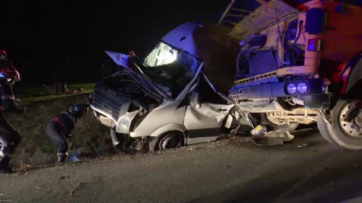 Grav accident în Buzău. O persoană a murit și alta a fost rănită