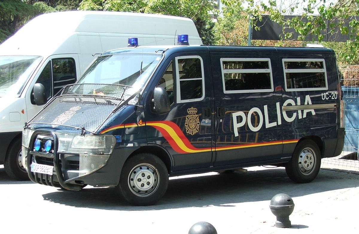 Atentatele de la Paris: Patru bărbați suspectați de legături cu autorii atentatelor din Franța au fost arestați în Spania.