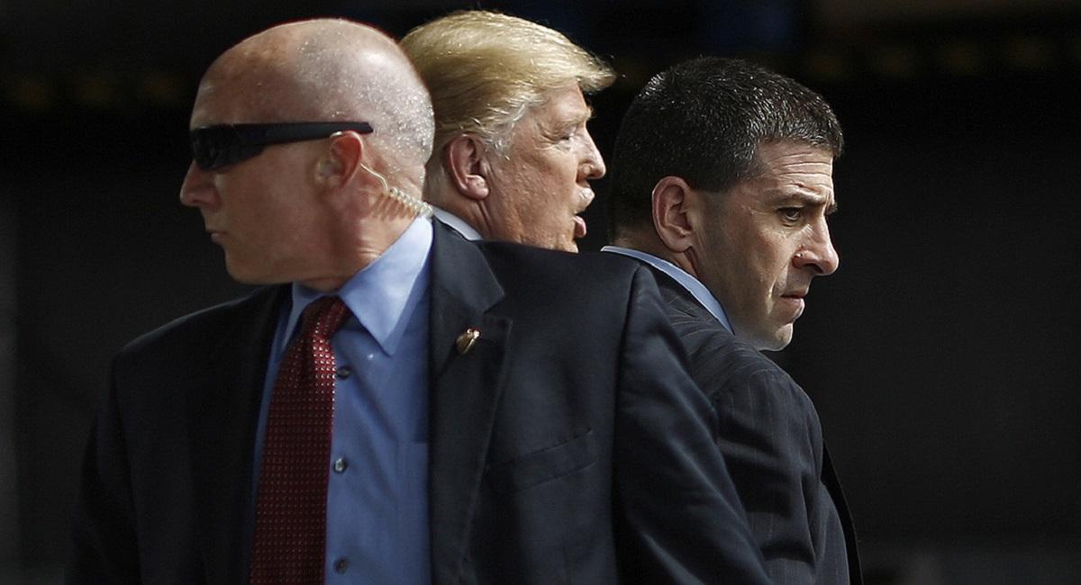Risc de atentate teroriste pe perioada alegerilor din America. Trump, scos de pe scenă de Secret Service