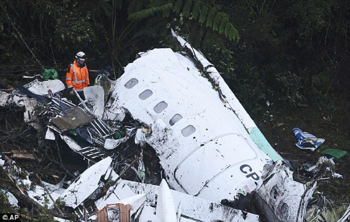 Tragedia aviatică petrecută ieri în Columbia s-a soldat cu 71 de decese. Echipa Chapecoense a pierdut 20 fotbaliști în accident.