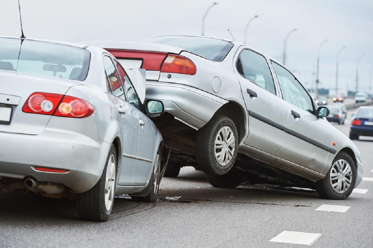 Accidente pe A2. 17 mașini implicate și mai multe persoane rănite