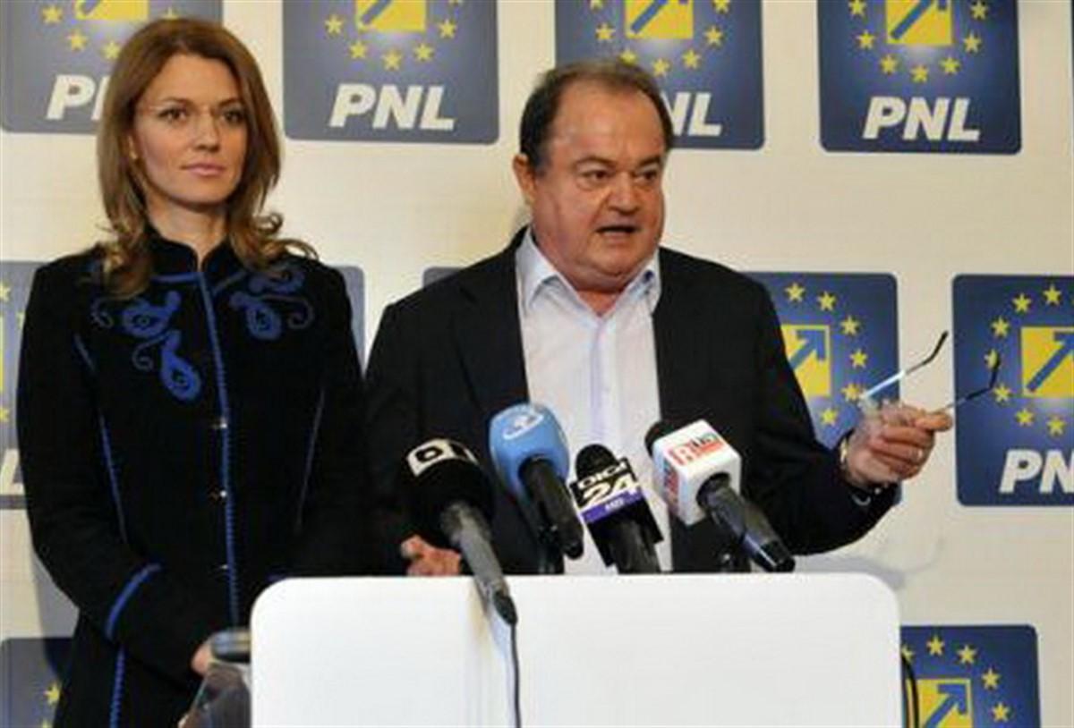 Alina Gorghiu a declarat că apelează uneori la expertiza lui Vasile Blaga, în campania electorală. Șefa PNL a mai precizat și că USL a fost o greșeală.