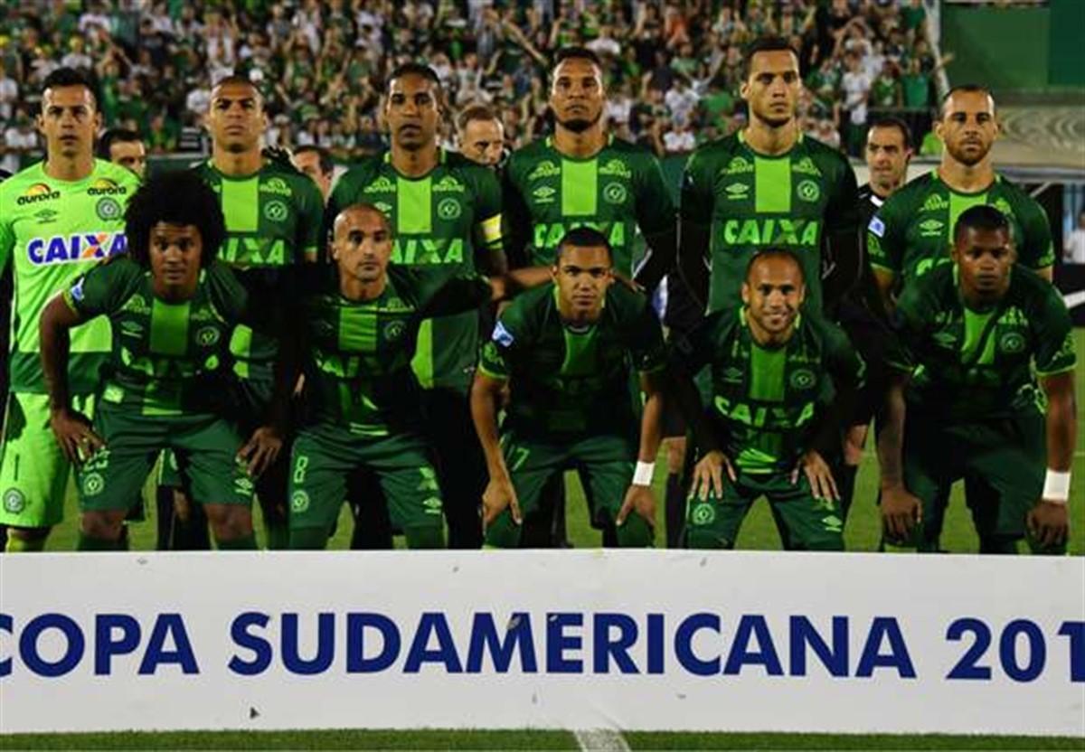 Președintele echipei columbiene Atletico Nacional a cerut ca trofeul Copei Sudamericana să îi fie acordat clubului Chapecoense, după tragedia de la Medelin.