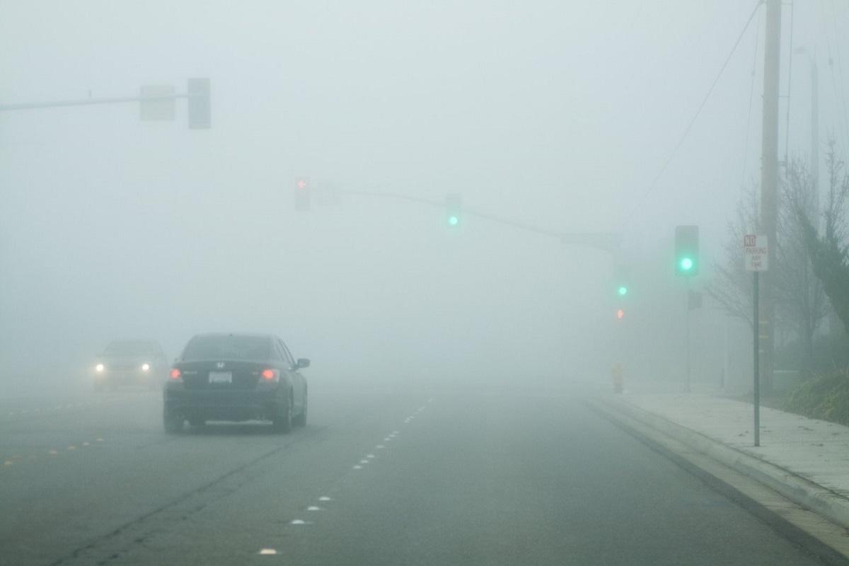 Meteorologii au emis cod galben de ceață luni dimineață. Avertizarea este valabilă pentru județele Alba, Cluj, Sălaj, Bistriţa-Năsăud şi Harghita.