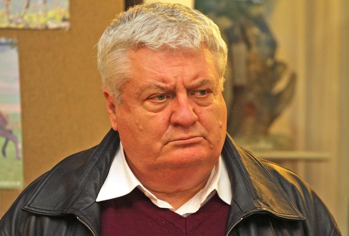 Șeful Inspectoratului Școlar Județean Mureș, Ștefan Someșan, a fost reținut pentru 24 de ore de procurorii DNA Mureș, pentru fapte de corupție.