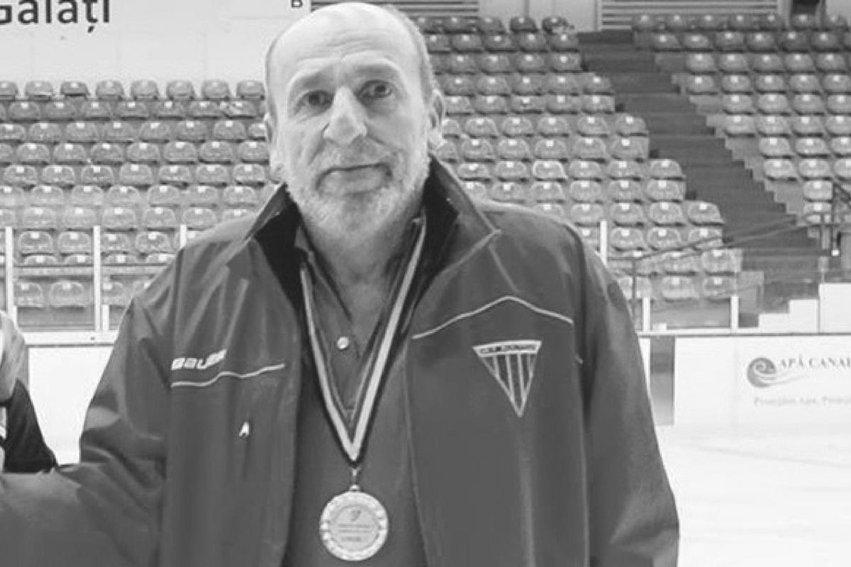 Teodor Mocanu, antrenorul secund al echipei Dunărea Galați, a murit în autocarul formației, după un stop cardio-respirator.