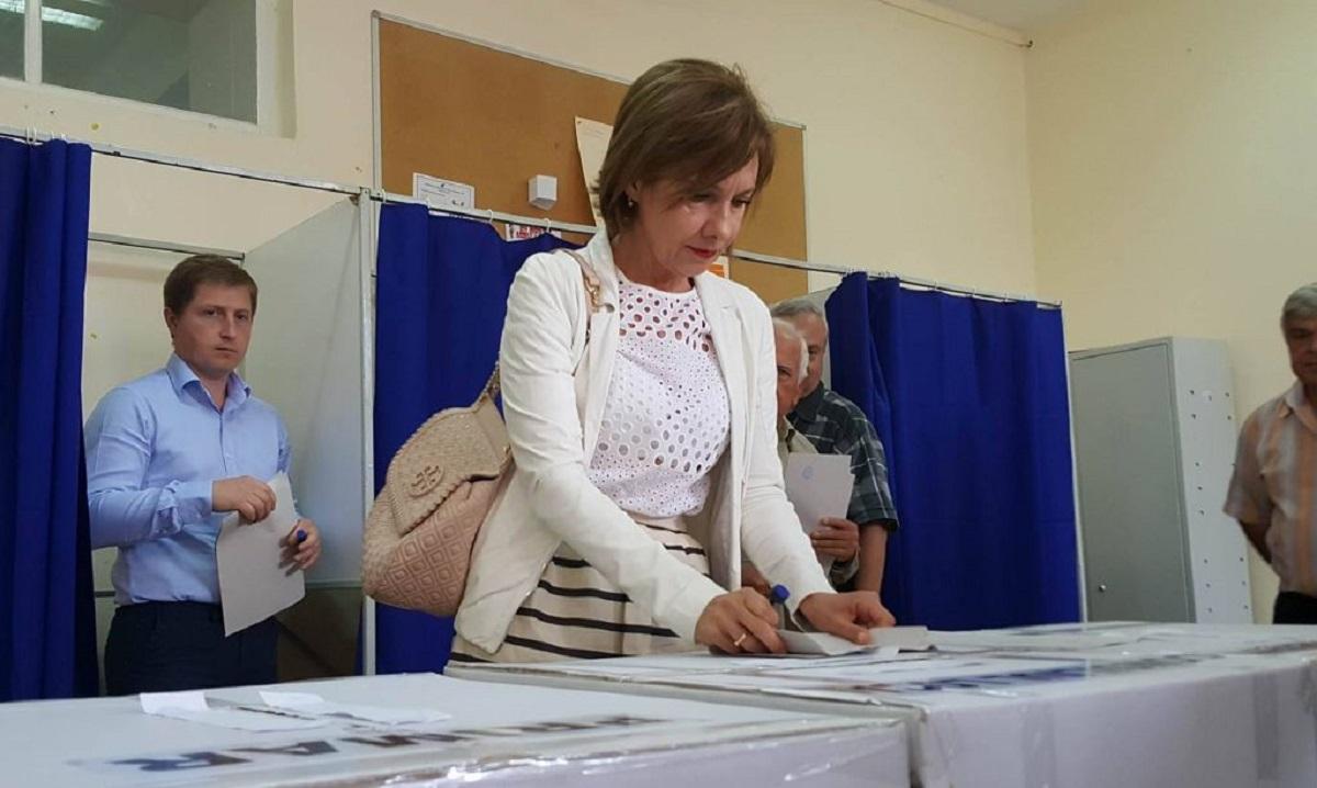 Alegeri parlamentare 2016. Carmen Iohannis a votat la Sibiu