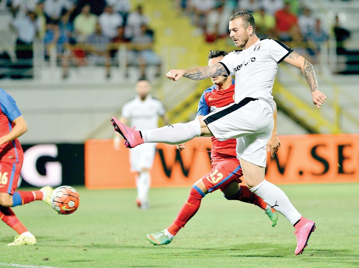 Astra-Steaua se joacă diseară de la ora 19:00. Meciul pune față în față singurele două echipe care ne-au reprezentat în cupele europene în acest an.