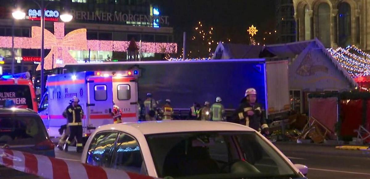 Atentat Berlin. Șoferul camionului care a lovit Piața de Crăciun din Berlin a fost arestat de poliția germană.