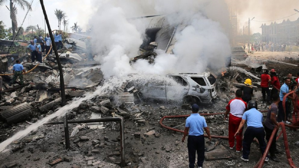 Avion prăbușit în Indonezia