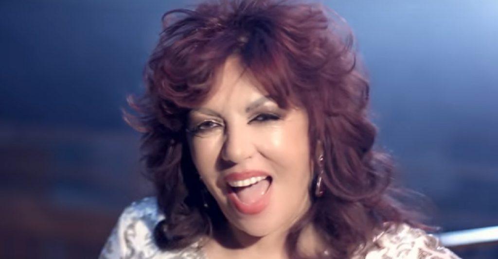 Carmen Harra cântă! Clarvăzătoarea și-a lansat primul videoclip
