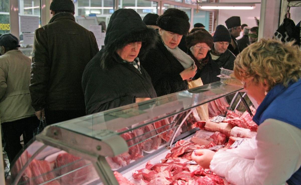Cât costă carnea de porc la câteva săptămâni înainte de Crăciun și cu cât se va scumpi