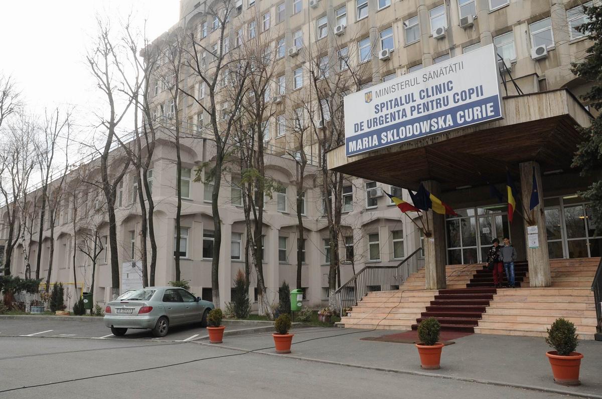 """Polițiștii fac marți noi percheziții la Spitalul """"Marie Curie"""". Anchetatorii ridică documente despre pacienţi ai medicului Gheorghe Burnei"""